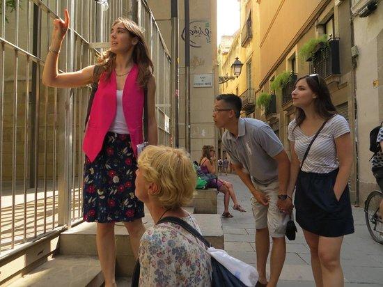 Discover Walks Barcelona: Barri Gòtic Tour #2 - Discover Walks - Montse