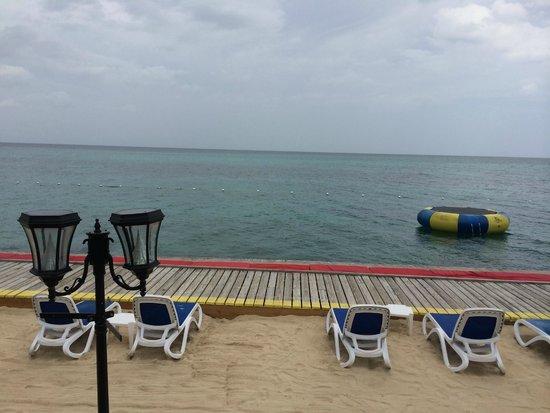 Royal Decameron Montego Beach: Caribbean lounging