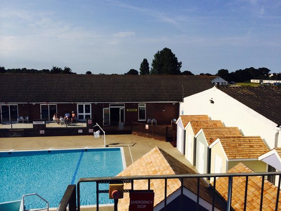 Breydon Water Holiday Park - Park Resorts: Pool