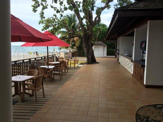 Royal Decameron Montego Beach : snack bar dining