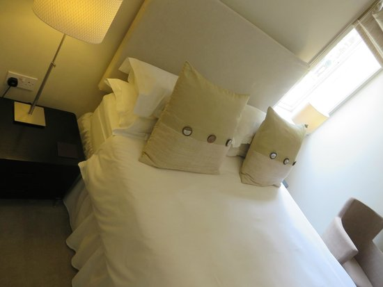 Brucefield Boutique B & B: Comfy bed!