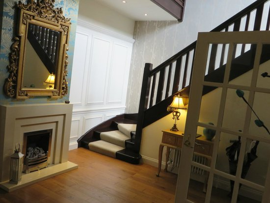 Brucefield Boutique B & B: Stairs to other rooms
