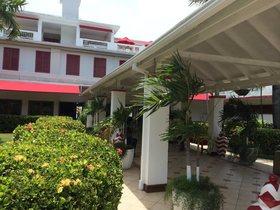 Royal Decameron Montego Beach: Hotel Front