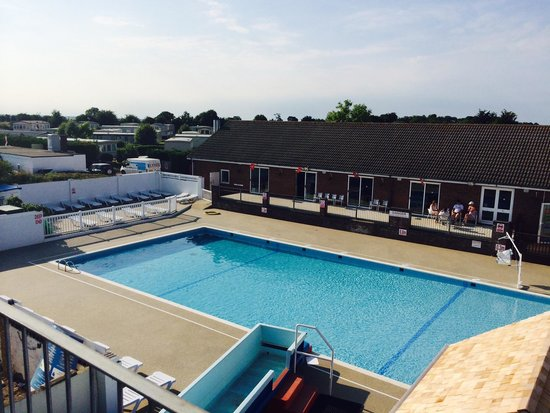 Breydon Water Holiday Park - Park Resorts: The new pool