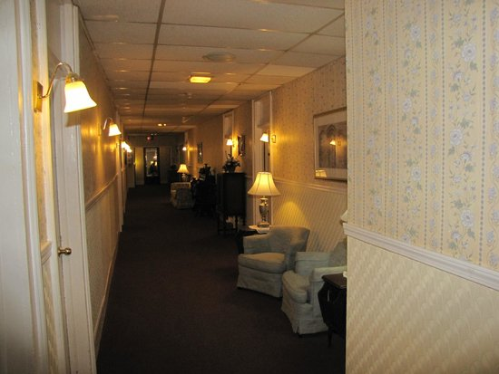 The Riverside Inn: One of the many hallways