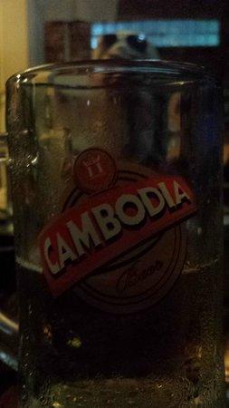 Hostel Siem Reap: Cold draught beer in lobby
