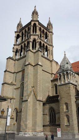 Continental hôtel Lausanne : Catedral  Gótica  de  Lausanne