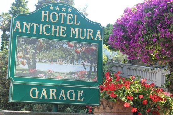 Antiche Mura Hotel: Hotel sign