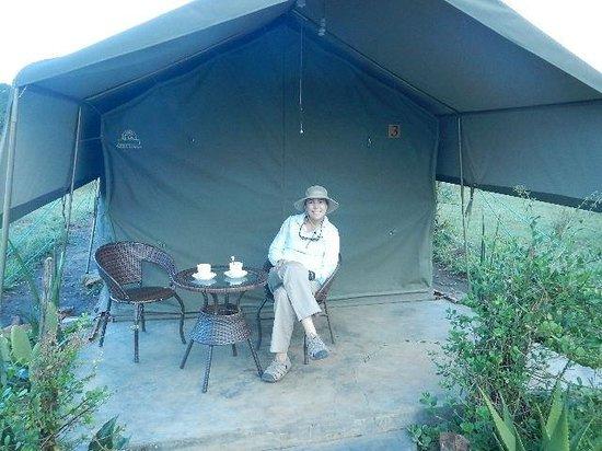 Kilima Valley Serengeti Tented Lodge: Tea on the patio