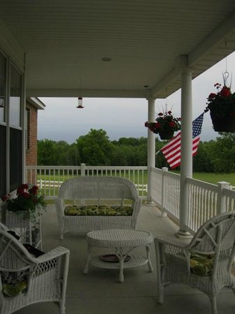 Gould Farm: Beautiful front porch for relaxing.