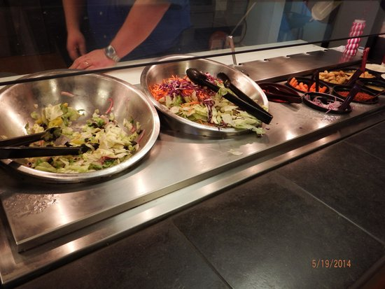 Cici's Pizza: salad bar