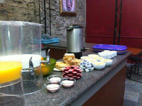 Hostal Santo Domingo: Rico desayuno