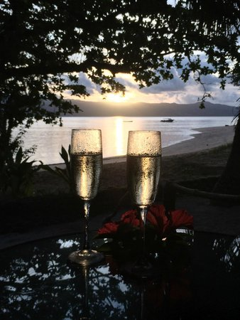 Qamea Resort And Spa Fiji : Enjoying the sunset from the bure deck