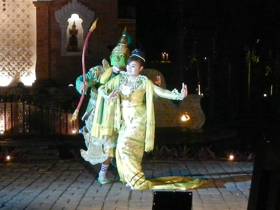 Mandalay Hill Resort: Thai dance show