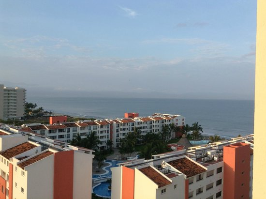Hotel Riu Vallarta : View from our room on the 8th Floor