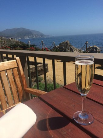 Rocky Point Restaurant: Prosecco with a view to die for!