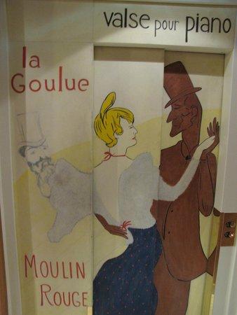 Hôtel des Arts - Montmartre: Elevator