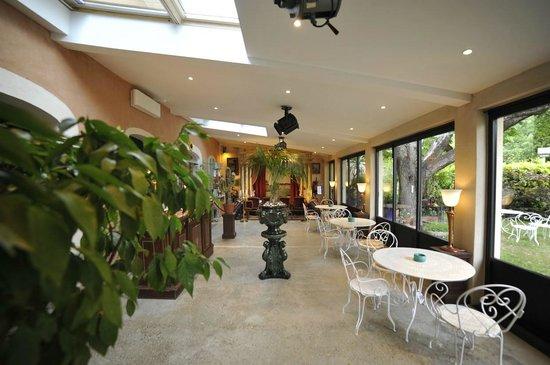 La Ferme Rose : Aufenthaltsbereich, auch Frühstücksraum