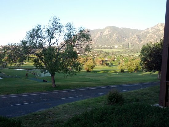 Cheyenne Mountain Resort : Morning view