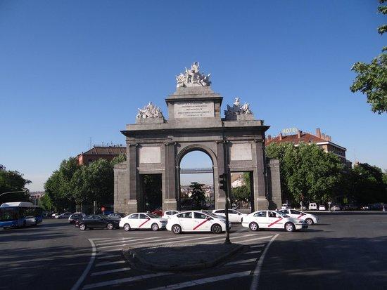 Hotel Puerta de Toledo: Puerta de Toledo!!!