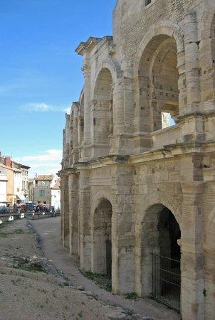 Amphitheatre (les Arenes): Arles Roman Amphitheater
