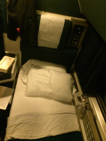 Coast starlight, San Francisco to Seattle, 'Roomette' bed