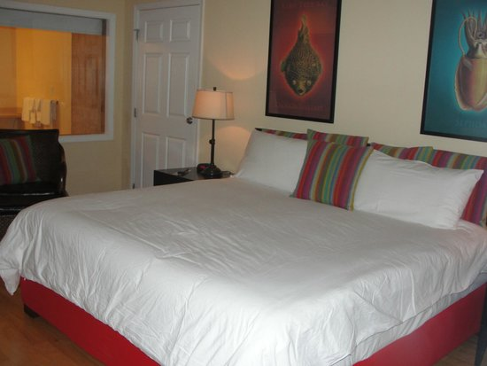 Lime Tree Bay Resort : Bed view