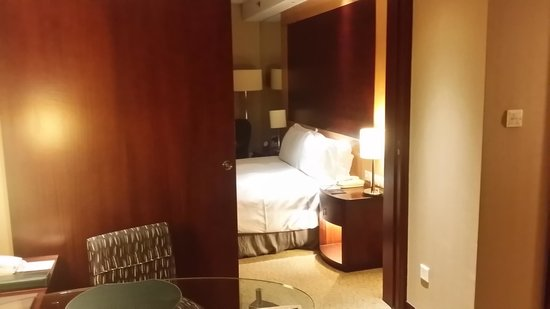 Sofitel Shanghai Hyland : Soggiorno/camera da letto