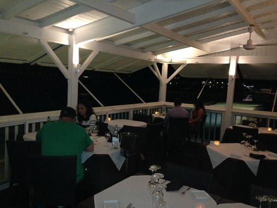 Ocean 82: Ocean view seating
