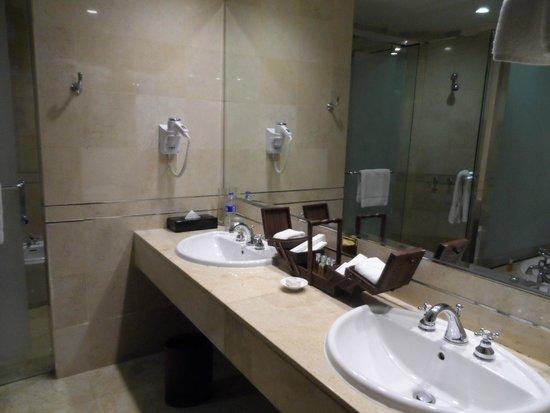 Gran Melia Jakarta : Salle de bain