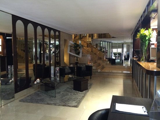 Hotel Francisco I: Reception area