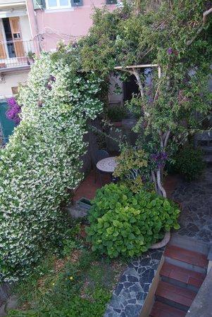 Alla Porta Rossa: Raggio di Luna - garden