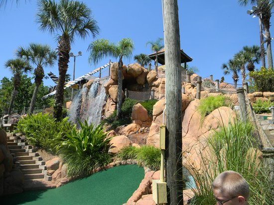 Congo River Golf: the waterfalls