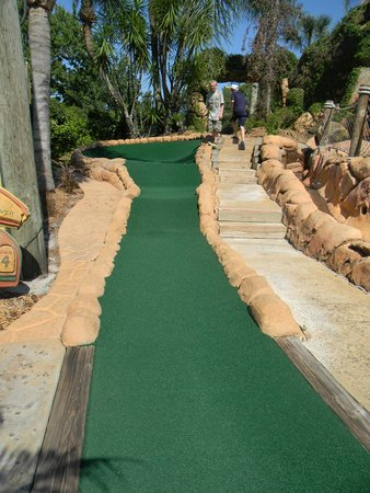 Congo River Golf: challenging hole