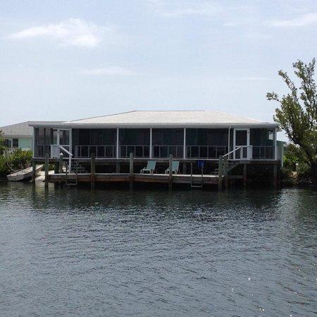 Green Turtle Club & Marina: Starfish units 13,14, 15-View from dockside.