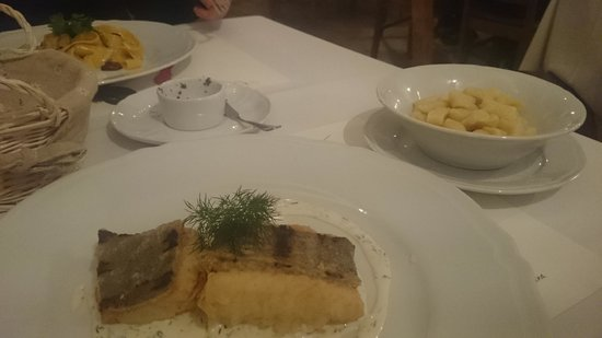 Farina Restaurant : Pan fried fish and gnocchi