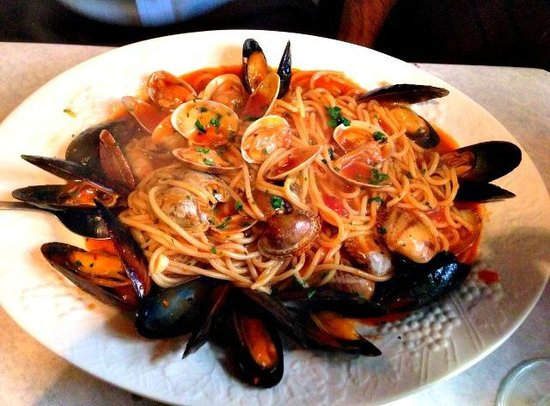 Antonio's Made in Italy : Mussels and Clams