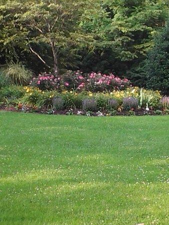 Park Vista - DoubleTree by Hilton Hotel - Gatlinburg: beautiful grounds area
