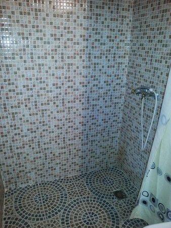 Riad Amskal: salle de bain