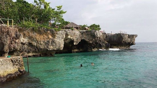 Grand Pineapple Beach Negril: Cliffs