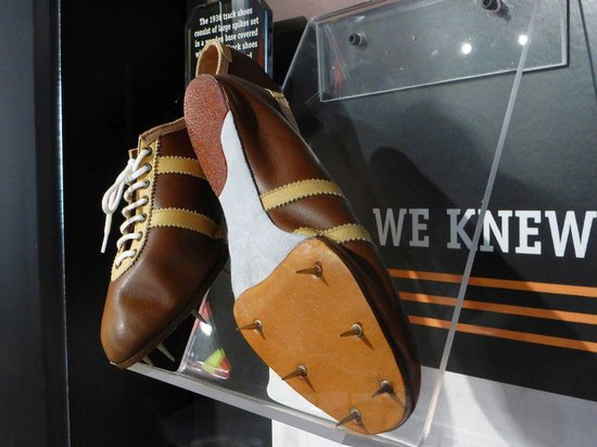 Jesse Owens Museum : Running shoes (replica)