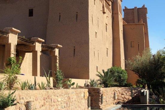 Kasbah Ait Ben Moro: Hinteransicht des Hotels