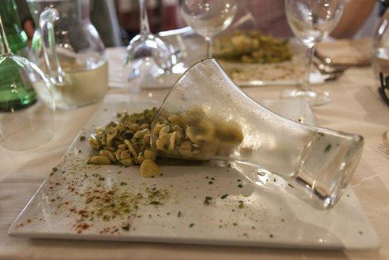 La Cantina: Orecchiette al pesto di pistacchi