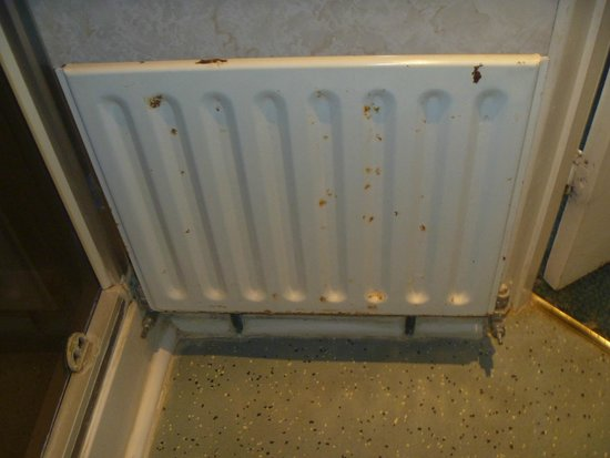 The Clifton Hotel : En-suite radiator