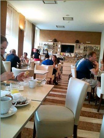 Prague Centre Plaza : Dining room inside