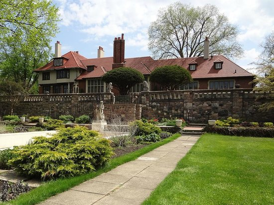 Cranbrook House and Gardens: Cranbrook House & Gardens