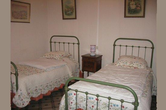 Le Mas Ferrand : Suite Marguerite, 1 of 2 bedrooms