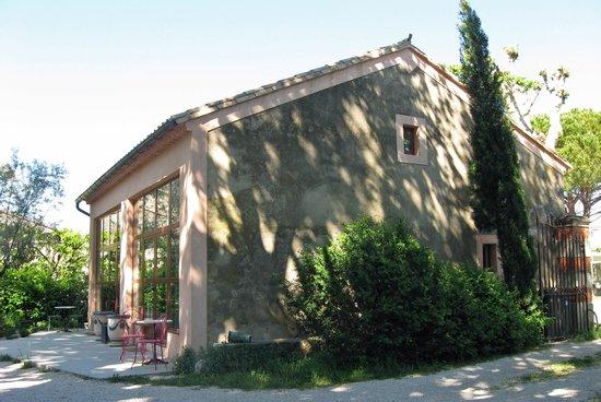 Le Mas Ferrand : La Mas Ferrand newer building
