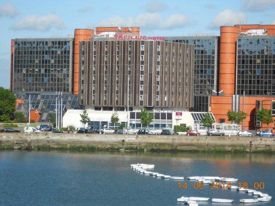 L 39 h tel picture of mercure le havre centre bassin du for Le jardin hotel mercure