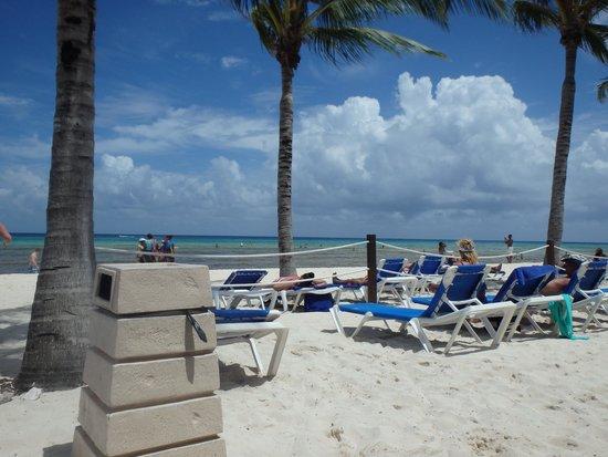 Grand Sunset Princess All Suites Resort: beach